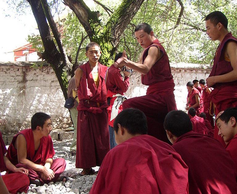 Будистки монаси