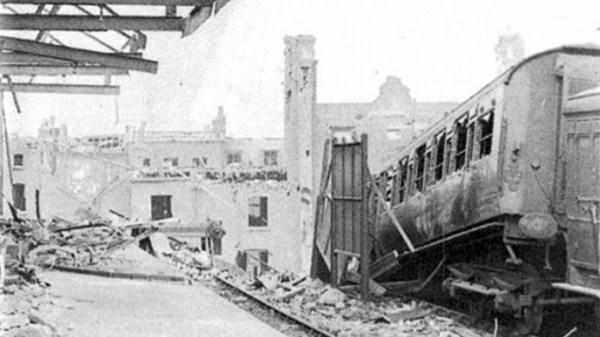 Нацистките бомбардировки през Втората световна война слагат край на линията и тя повече никога не е възстановена