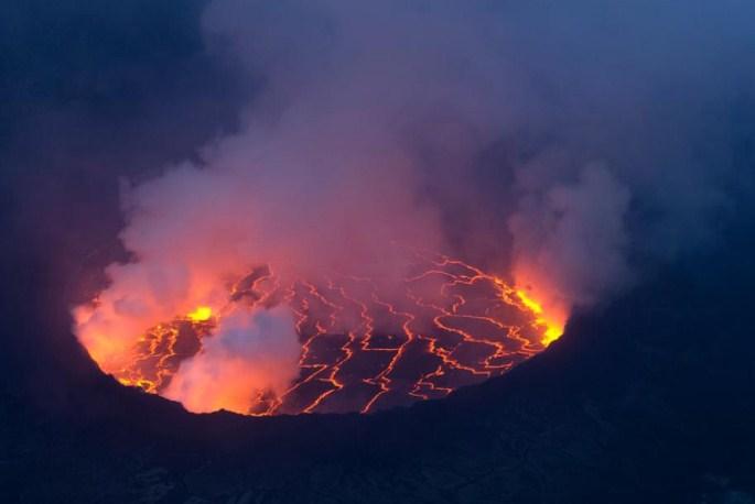 Огненото езеро 1