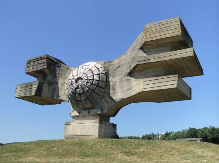 Югославските паметници